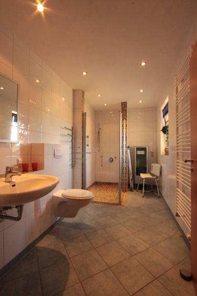 exklusive ferienwohnung in loddin mit achterwasserblick ferienwohnungen herrmann. Black Bedroom Furniture Sets. Home Design Ideas