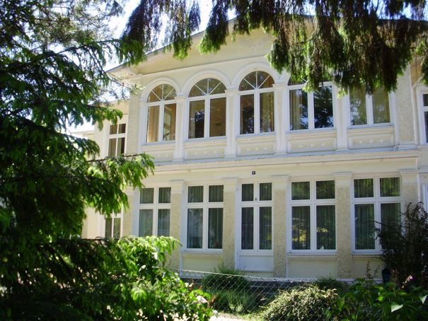 zinnowitz waldstrasse 8 ferienwohnungen herrmann ferienwohnungevermittlung herrmann. Black Bedroom Furniture Sets. Home Design Ideas