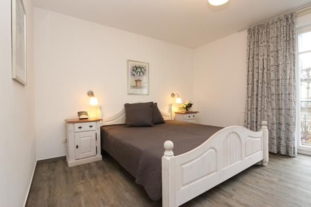 3 zimmer ferienwohnung in zinnowitz mit dsl und telefon kostenfrei ferienwohnungen herrmann. Black Bedroom Furniture Sets. Home Design Ideas